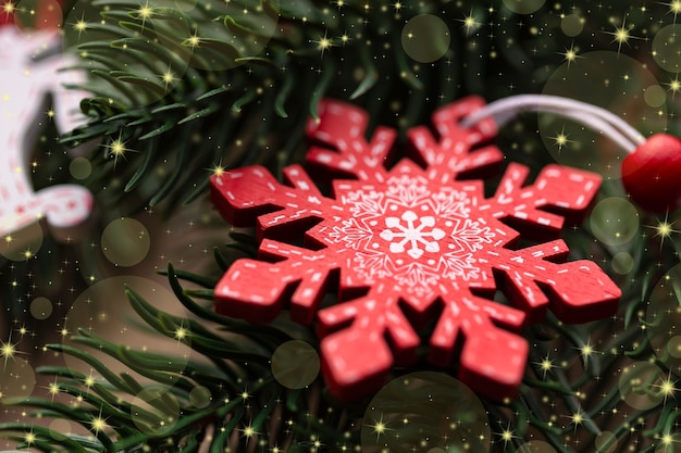 Weihnachtsdekorierte weihnachtsbaum-nahaufnahme-weihnachtsbaumschneeflocke