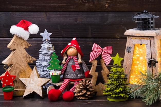 Weihnachtsdokumentation und laterne. grußkarte un symbol weihnachten.