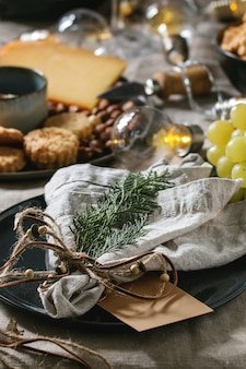 Weihnachtsessen gedeckten tisch