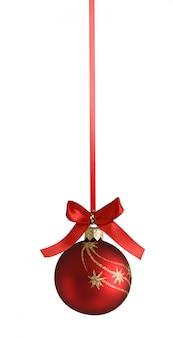 Weihnachtsflitter mit lockigem farbband auf dem weihnachtsbaum getrennt auf weiß