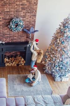 Weihnachtsfoto familie zu hause