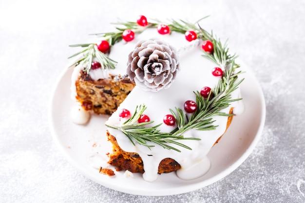 Weihnachtsfruchtkuchen