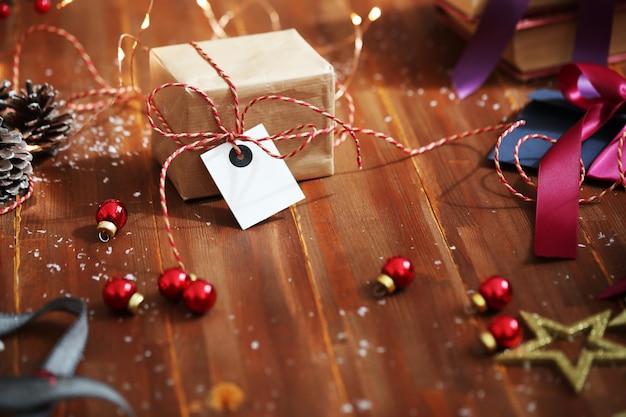 Weihnachtsgeschenk und ornamente
