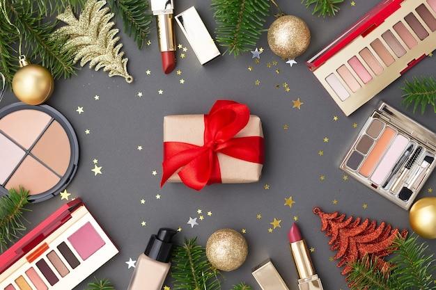 Weihnachtsgeschenkbox mit rotem band