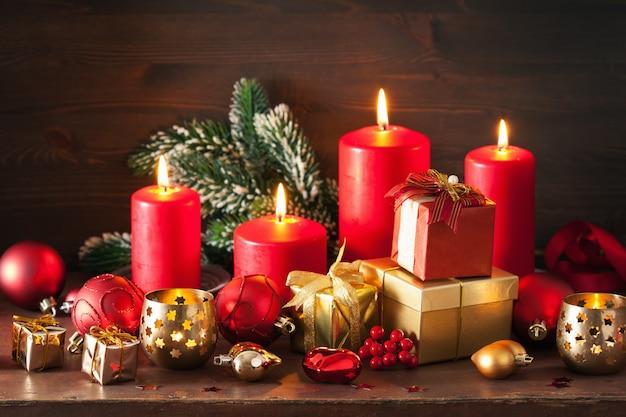 Weihnachtsgeschenkbox und dekorationslicht
