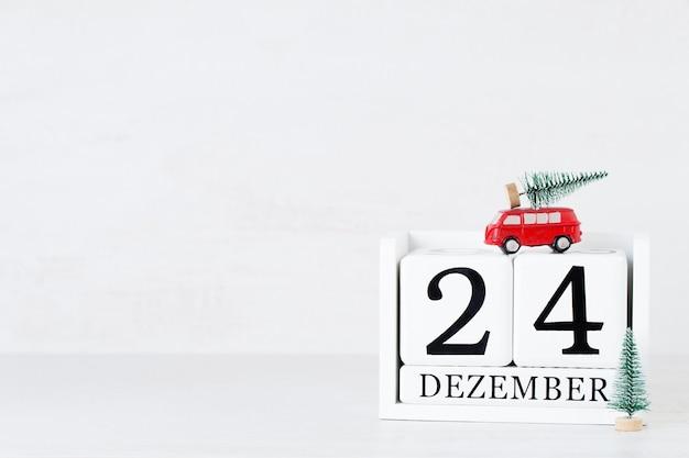 Weihnachtsgrußkarte. festliche dekoration auf grauem hintergrund. konzept des neuen jahres. platz kopieren. flach liegen. ansicht von oben.
