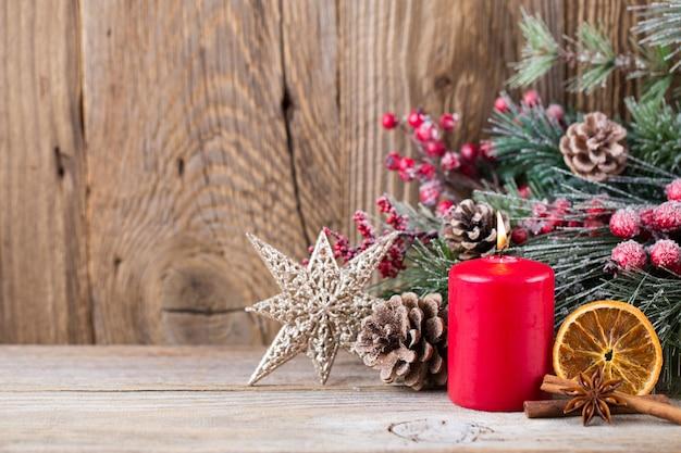 Weihnachtsgrußkarte. festliche dekoration. neujahrskonzept. flach liegen. draufsicht.