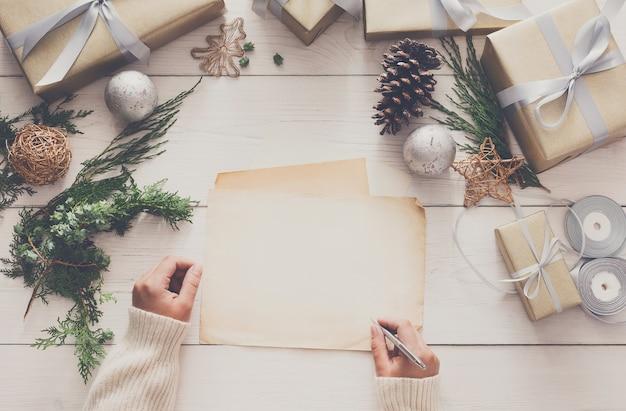 Weihnachtsgrußkarte unterschreiben