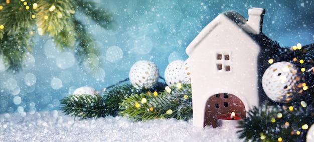 Weihnachtshintergrund mit kerze