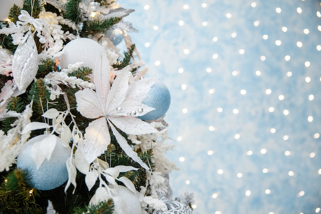 Weihnachtshintergrund mit kopierraum für ihren text