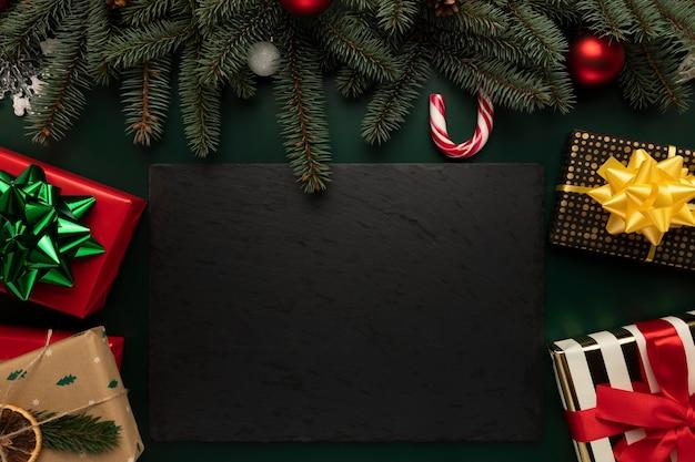 Weihnachtshintergrund mit platz für text.