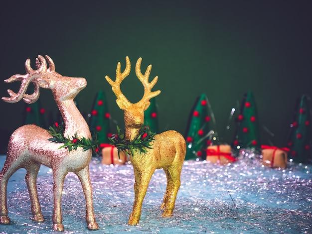 Weihnachtshintergrund mit rotwild