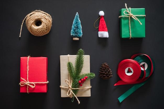 Weihnachtshintergrund mit zusammensetzung der weihnachtsdekoration