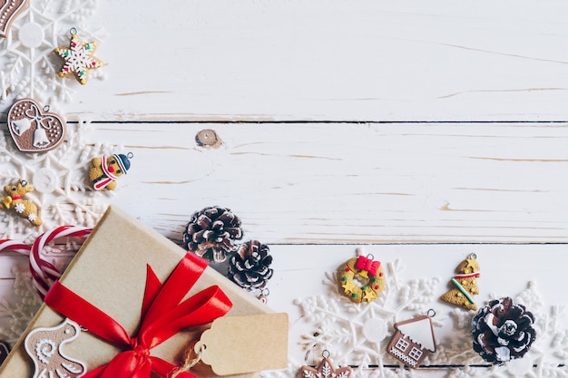 Weihnachtshintergrund und weihnachtsdekoration stellt konzept dar