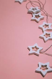 Weihnachtshintergrundkonzept winterferien und frohes neues jahr karte flach kopieren raum