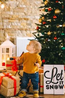 Weihnachtsjunge