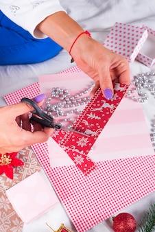 Weihnachtskarten und dekorationen machen