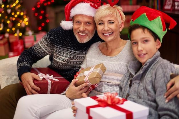 Weihnachtskleidung während der weihnachtszeit