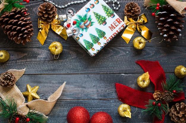Weihnachtskollektion, über holzoberfläche