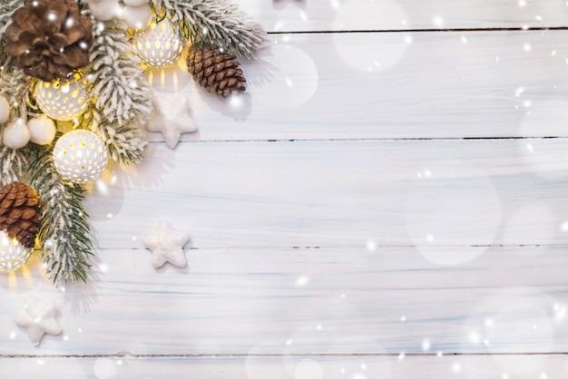Weihnachtskomposition. ansicht von oben, flach, kopienraum.