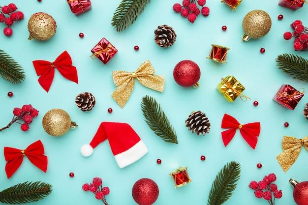 Weihnachtskomposition aus weihnachtsdekoration flache lage, draufsicht.