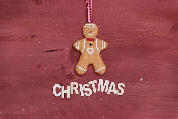 Weihnachtskomposition mit lebkuchenmann