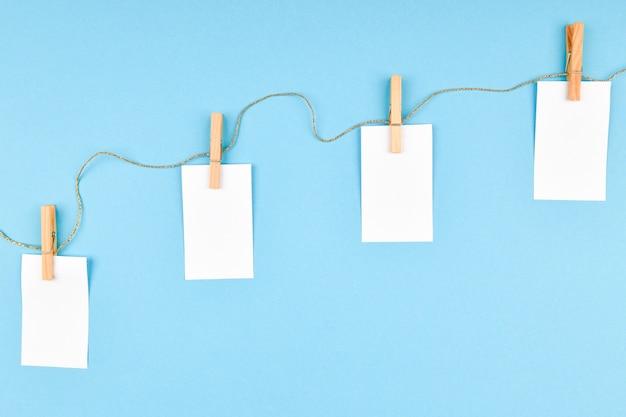 Weihnachtskomposition mit verschiedenen objekten zum schreiben