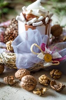 Weihnachtskomposition tasse kakao