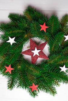 Weihnachtskranz mit sternen