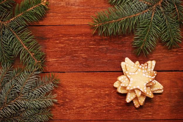 Weihnachtslebkuchenplätzchen in der form eines sterns
