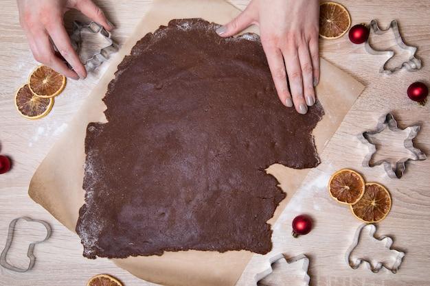Weihnachtslebkuchenplätzchen zubereiten,