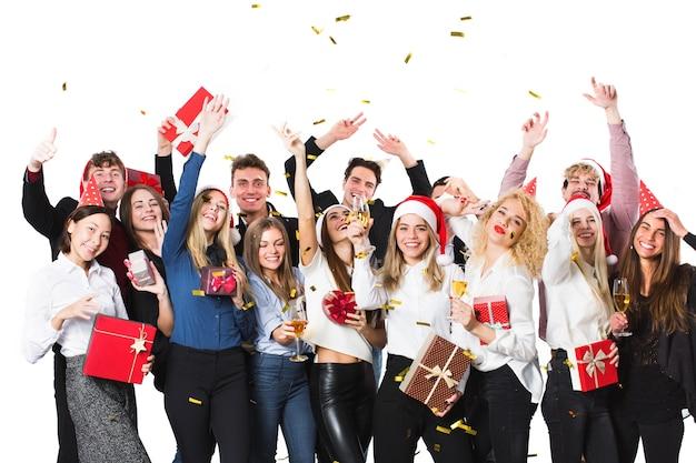 Weihnachtsleute mit geschenken