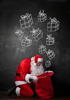 Weihnachtsmann auf der suche nach einem geschenk