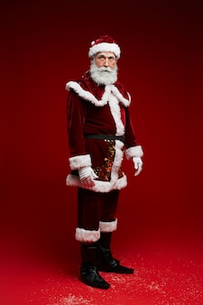 Weihnachtsmann auf rot