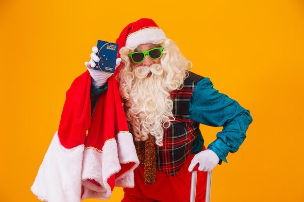Weihnachtsmann mit brasilianischem pass