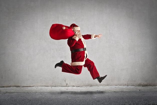 Weihnachtsmann springen