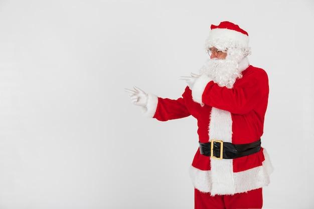 Weihnachtsmann zeigt leere