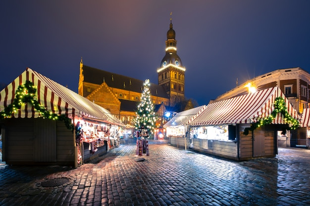 Weihnachtsmarkt in riga, lettland