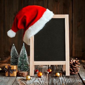Weihnachtsmodellplan für guten rutsch ins neue jahr. festliche komposition