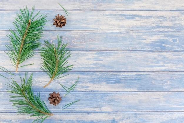 Weihnachtsmuster mit tannenbaumkieferniederlassungen