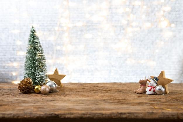 Weihnachtsneues jahr mit geschenkgeschenk-kieferhintergrund feiern zeit des glücklichen besonderen anlasses
