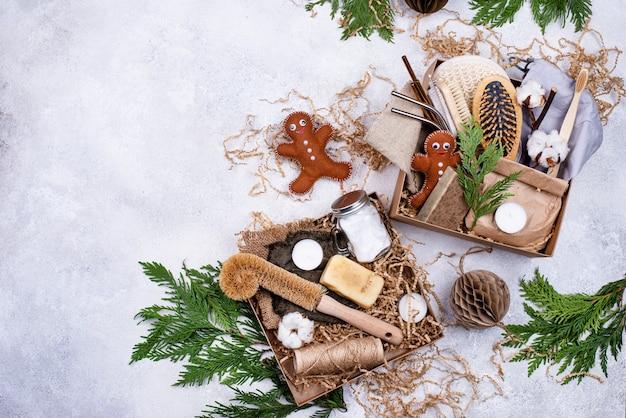 Weihnachtspflegepaket mit nachhaltigem geschenk.