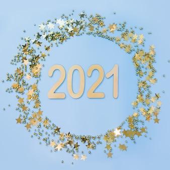 Weihnachtsrahmen mit 2021 goldenen glitzerkonfetti