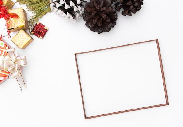Weihnachtsrahmen weihnachtsgeschenke, idee, bögen, dekor. flach legen