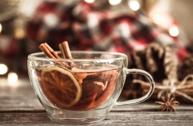 Weihnachtsschale mit zimt und zitrone