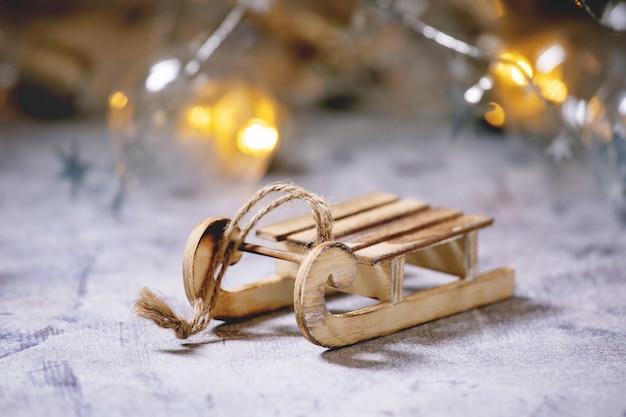 Weihnachtsspielzeug schlitten