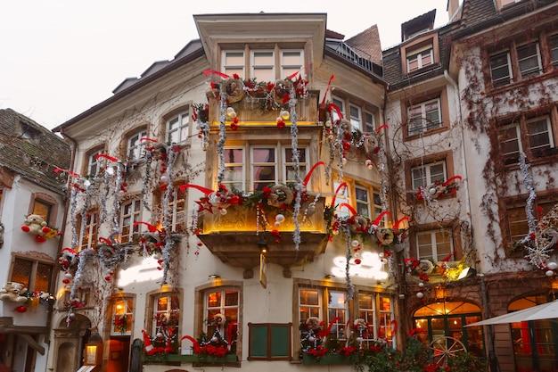 Weihnachtsstraße in straßburg, elsass, frankreich