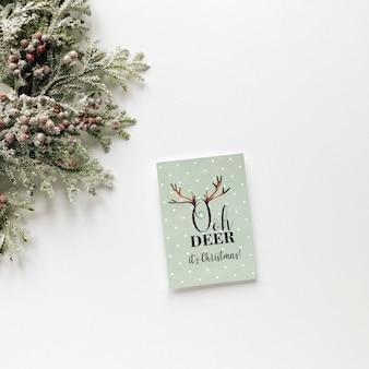 Weihnachtszusammensetzung kranz und karte
