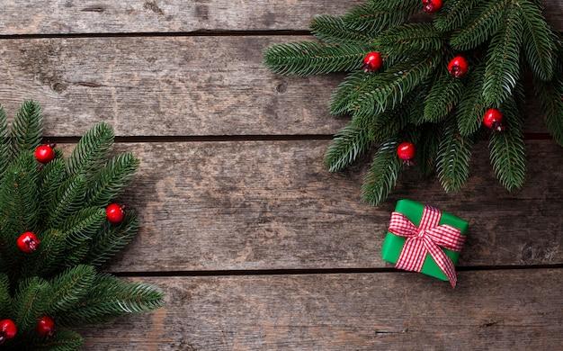 Weihnachtszusammensetzung mit geschenkbox