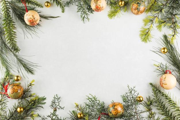 Weihnachtszusammensetzung von niederlassungen mit flitter